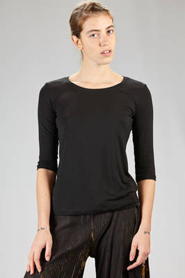 132 5. Issey Miyake – hip-length basic t-shirt in smooth rayon jersey and polyurethane  - 47