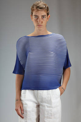 hip length top in polyester plissé with bicolour horizontal lines  - 47