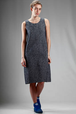 knee length dress in polyester and cotton cloth with contrasting colour small rhombus embossing  - 123