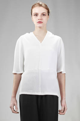 hip length shirt in rayon and polyester crêpe with jacquard processing  - 123