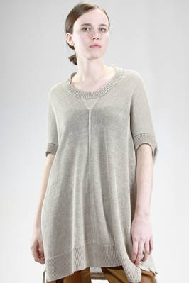 wide and long sweater in linen cloth larger on the front and thickest on the back  - 97