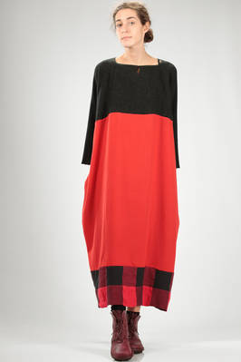long and wide dress in cashmere jersey with bottom flounce in bicolour check on one side  - 195