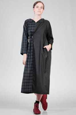 long and wide dress in woollen tartan, solid colour woollen canvas and solid colour citizen cotton  - 195