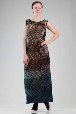 long and slim fit dress in polyester backed-stretch plissé with zigzag multicolour lines  - 47