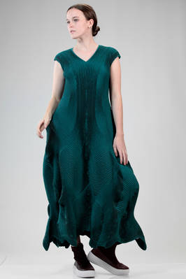 long 'sculpture' dress in polyurethane, silk and polyester steam-stretch plissé - ISSEY MIYAKE