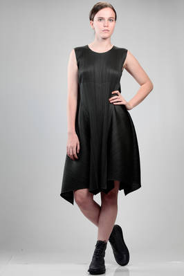 longuette dress in polyester plissé with narrow vertical pleat  - 111