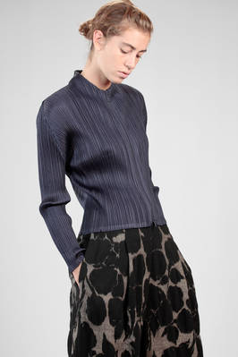 short jacket in polyester plissé with vertical narrow pleats - PLEATS PLEASE Issey Miyake
