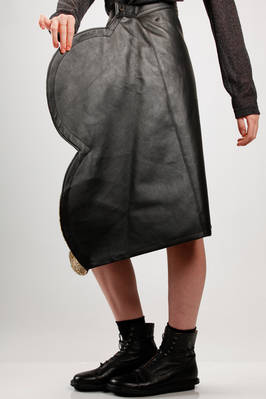 asymmetric longuette skirt, on the front side made of semi-circular patchwork and on the back in smooth synthetic leather - JUNYA WATANABE