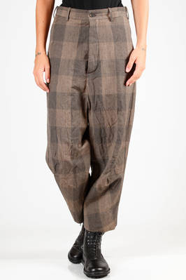 wide trousers in glen check of virgin wool and washed and wrinkled ramié, lined in cotton, buttons fastening  - 161