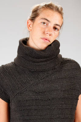 collar in laddered camel knitting  - 161