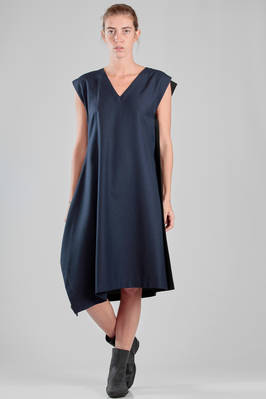 132 5. Issey Miyake – calf length dress in bicolor wool and polyester canvas  - 47