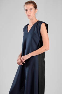 132 5. Issey Miyake – calf length dress in bicolor wool and polyester canvas - ISSEY MIYAKE
