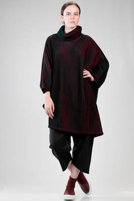 wide poncho tunic in wool, polyester and nylon plissé with a soft knit effect  - 47