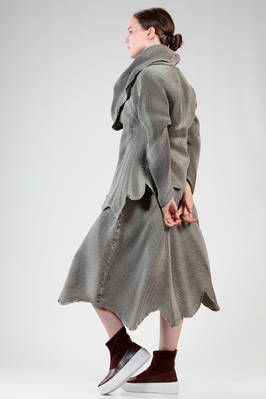 hip length 'sculpture' jacket in wavy concentric circles steam-stretch plissé - ISSEY MIYAKE