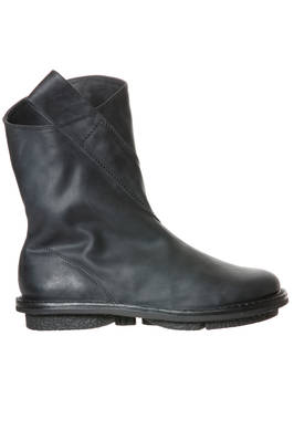 EXIT boot in matt cowhide leather with nabuk effect treatment, lined in synthetic fur  - 51
