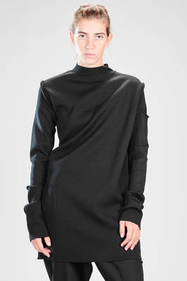 long and straight sweater – mouldable – in woollen knit like an armour  - 120