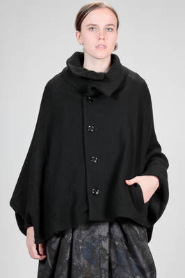 hip length pea coat with the front and back in wool and polyester cloth and the sleeves in woolen knit  - 97