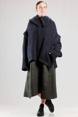 hip length pea coat in soft and heavy wool, polyamide, yak, cotton and punched elastane knitting  - 227