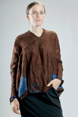 long and wide sweater in hand made irregular knitting of felted merinos wool on silk  - 344