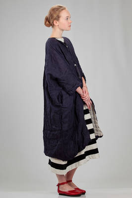 long and wide overcoat, double: one side in linen gauze and the other side in framed worked linen - DANIELA GREGIS