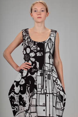 longuette dress in polyester canvas with stylized black flowers and signs print by the artist Stefan Marx - COMME DES GARÇONS