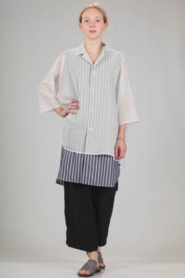 long and wide shirt, double, in cotton poplin with vertical straps and cotton voile  - 97