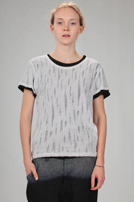 short and slim fit t-shirt, double, in solid colour cotton jersey and contrasting colour torn jersey  - 97