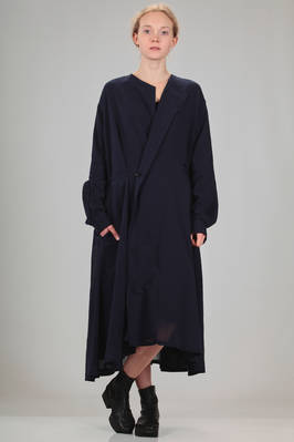 wide and long robe-manteaux all doubled: one side in cotton gauze and the other in cupro taffetas  - 97