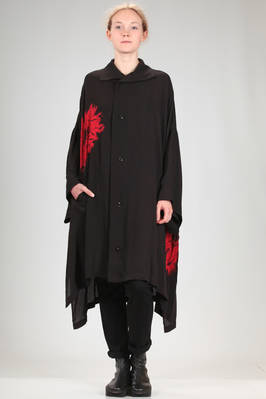 oversized shirt in polyester satin with big contrasting colour shibori pattern at the sides  - 97
