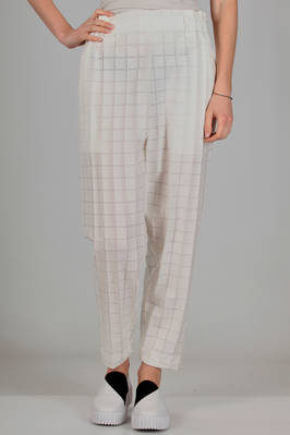 wide trousers in polyester canvas with medium squares on a smooth base of cotton and lyocell  - 47