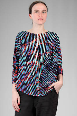hip length t-shirt in stretch jersey of triacetate, polyester and polyurethane with multicolour 'lava and ice' pattern  - 47