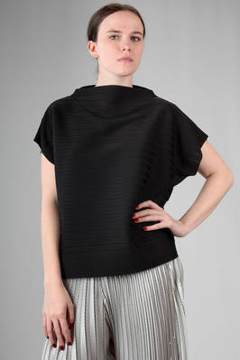 hip length top in 'A-poc' jersey of polyester, nylon and polyurethane with tone on tone 'empty and full' horizontal lines  - 47