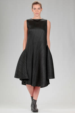 longuette dress in polyester plissé with vertical pleats  - 111