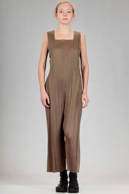 jumpsuit in polyester plissé with narrow vertical pleats  - 111