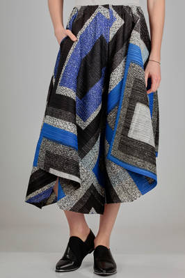 wide divided skirt in polyester plissé with diagonal narrow pleats and multicolour square print  - 111
