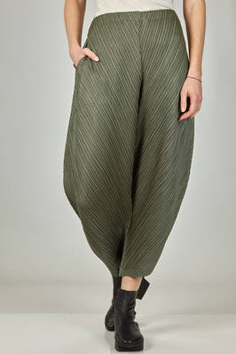 wide trousers in polyester plissé with diagonal narrow pleats  - 111