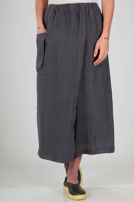 wide divided skirt in slightly wrinkled linen with a two-tone vertical line  - 327