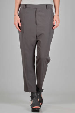 ankle length trousers in light viscose and wool canvas, cupro lined  - 120
