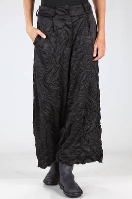 wide trousers in shinny and creased polyester cloth  - 352