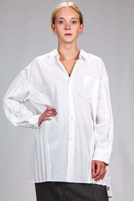 long, asymmetrical and wide shirt in cotton poplin with vertical pleats  - 74
