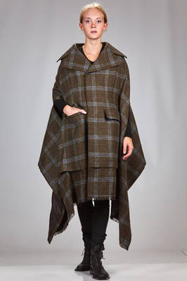 cape/coat in wool tartan, cupro lined  - 74