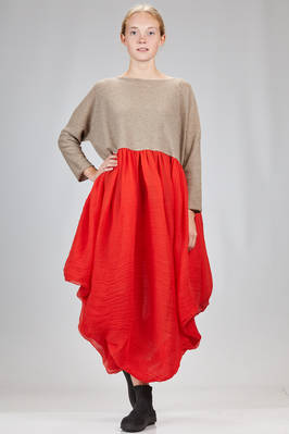 long and wide dress with the bodice in cashmere stockinette stitch and the skirt in silk voile  - 195