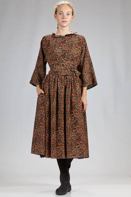 wide, calf length dress in wool crêpe with floral print doubled on solid cotton voile on the inside  - 195