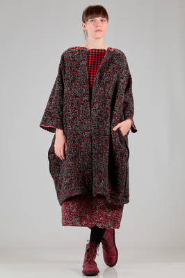 wide calf length coat in jacquard of loom worked wool  - 195
