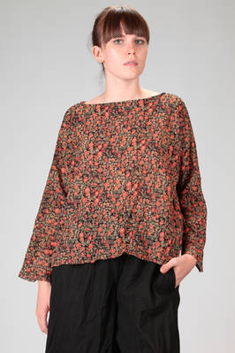 wide hip length shirt in woollen crêpe with floral print  - 195