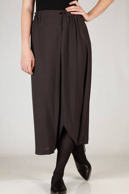 132 5. Issey Miyake – long and asymmetrical divided skirt in soft recycled polyester canvas  - 47