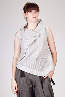 132 5. Issey Miyake – 'sculpture' waistcoat with algorithmically origami development in honeycomb gauze of recycled polyester  - 47