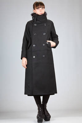 long and straight coat in polyester melton cloth and removable hausatex  - 121