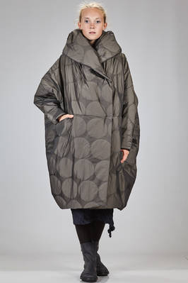 calf length padded jacket in shiny and iridescent polyester with tone on tone polka dots  - 123