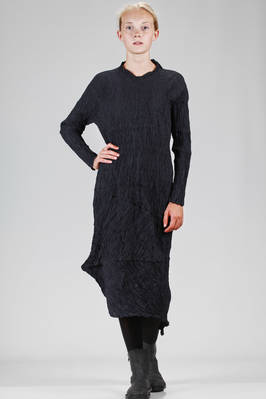 asymmetrical, longuette dress in vertical polyester froissé with two colors within the weave  - 123